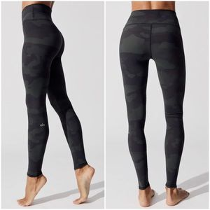 ALO Yoga hunter camo camouflage vapor leggings